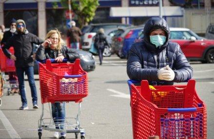 Incep să apară primele date privind impactul pandemiei în economie: consumul privat a căzut cu 20% în aprilie după prăbuşirea vânzărilor de carburanţi cu peste 30% şi a produselor nealimentare cu 20%. Vânzările de alimente s-au diminuat cu 4,7%