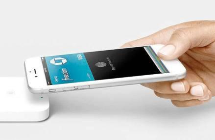 Clienţii Alpha Bank pot face plăţi direct cu telefonul mobil prin intermediul Apple Pay