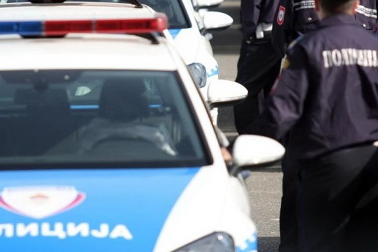 Policajci odgovorili djevojku od samoubistva