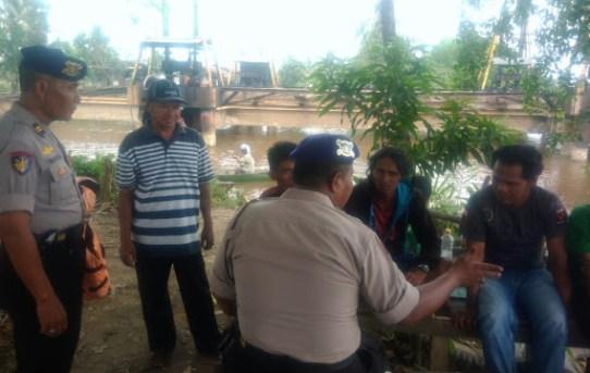 Bripka Ronny Setiadi Rangkul Warga Pesisir Sungai Dalam Pencegahan Bahaya Karhutla