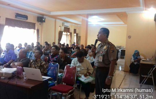 Kompol Sumarjan Berikan Sosialisasi Keamanan Dan Ketertiban di Kantor Kecamatan Banjarmasin Timur