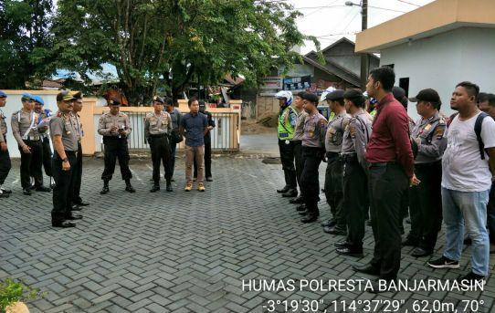 Polresta Banjarmasin : KOMPOL H. M. Uskiansyah SE Pimpin Apel Pengamanan Sidang Kasus Korupsi