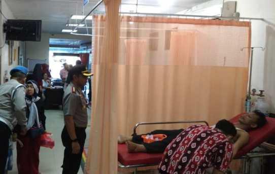 Peduli Kepada Personel Yang Sakit, Kapolresta Banjarmasin Jenguk Brigadir Eddy Purwanto