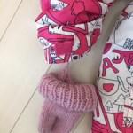 毛糸の手袋には、必ず紐をつけます。手袋の内側の手首部分に取り付けます。