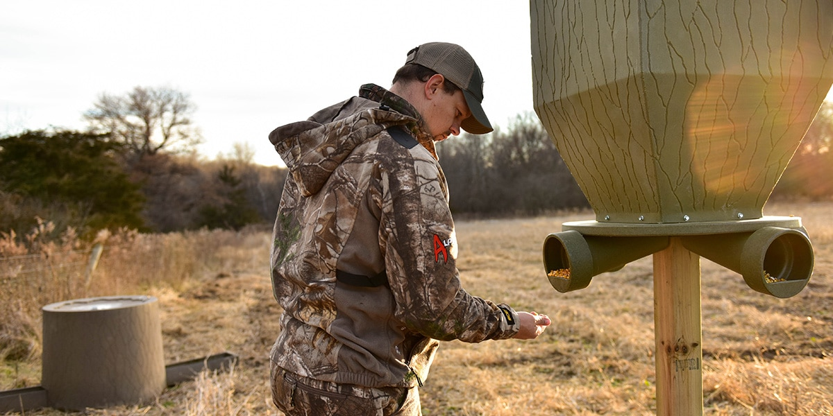 How to Attract Deer to Your Feeder - Banks Outdoors