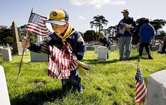 Advice: Experience a Cemetery this Memorial Day