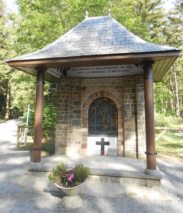 Banneux - Monument de l'Annonciation