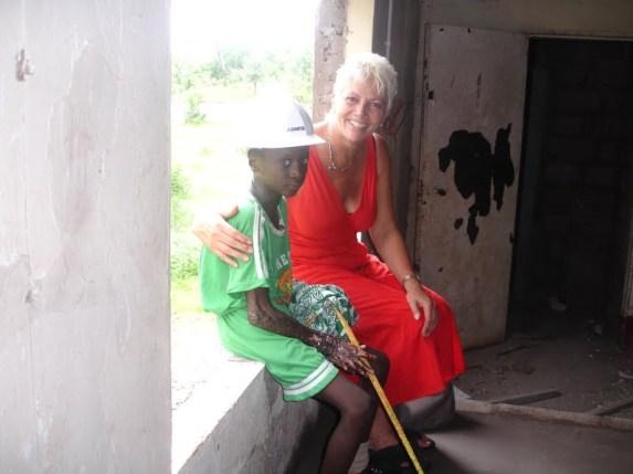 Mansaur with Anita - walking around the Mitie house
