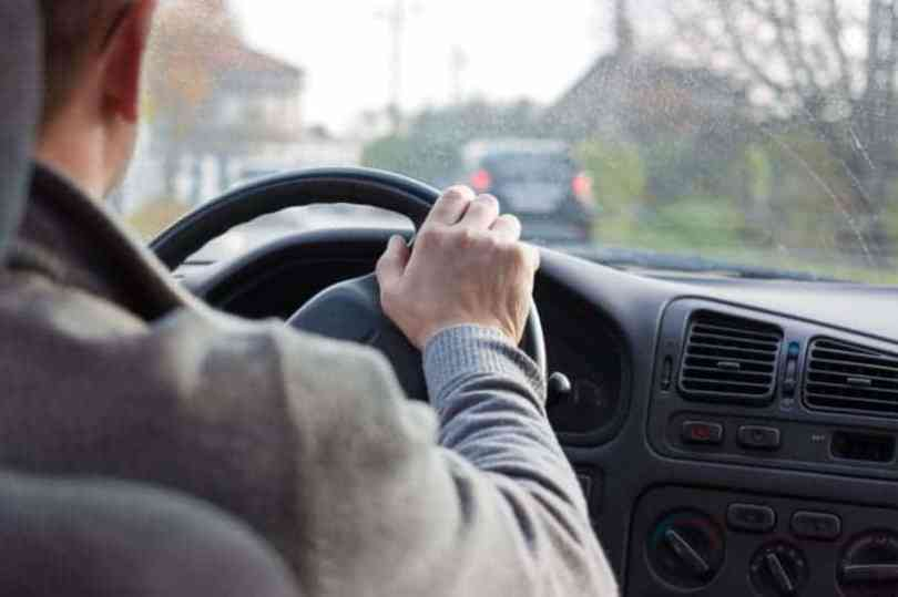 Facts you should not put your feet on the dashboard
