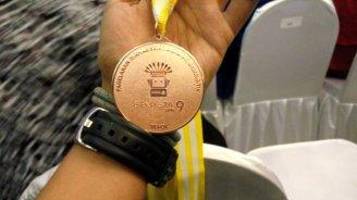 Medali perunggu milik Fadly, PCR.