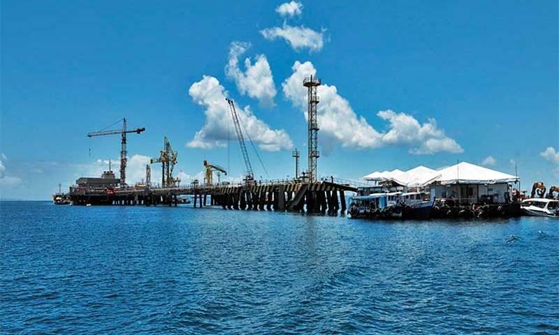 Petrobras inicia processo para arrendar terminal de regaseificação