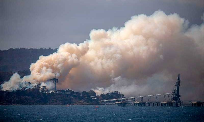Incêndio na Austrália: governo ordena retirada de 240 mil pessoas