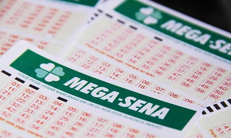 Acumulada, Mega-Sena deve pagar R$ 50 milhões neste sábado
