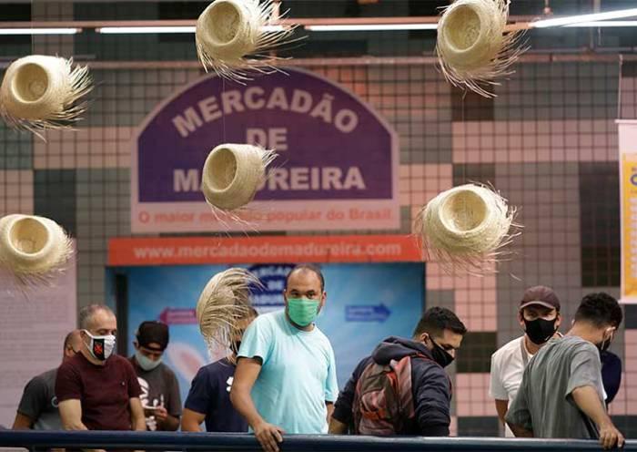 Média de mortes por covid-19 no Brasil cai 10,35% em uma semana