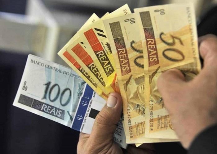 Reajuste salarial ficou abaixo da inflação em dezembro, aponta Salariômetro