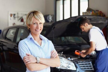Bồi thường bảo hiểm ô tô bằng phụ tùng mới và công thay thế
