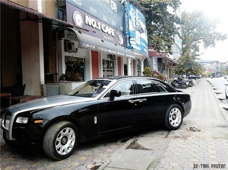 roll-royce-ghost-bien-thai-nguyen