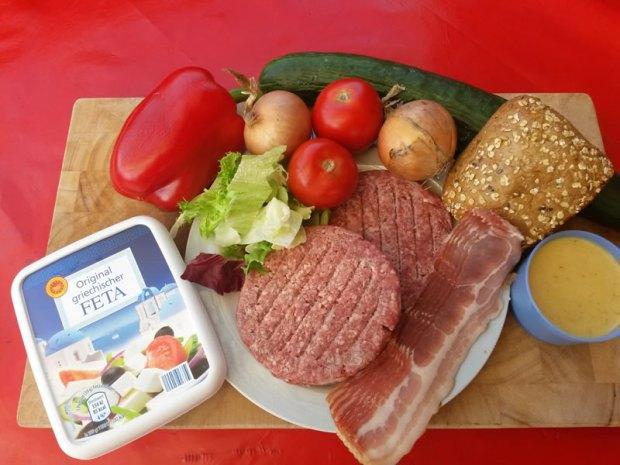 Zutaten für den Greek Style Monster Burger