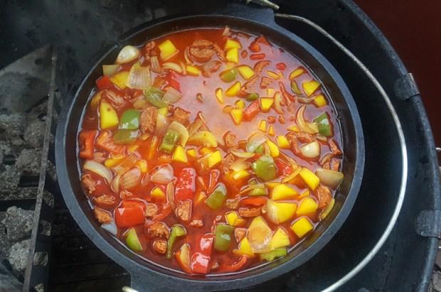 Der fertige Chorizo-Kartoffel-Eintopf