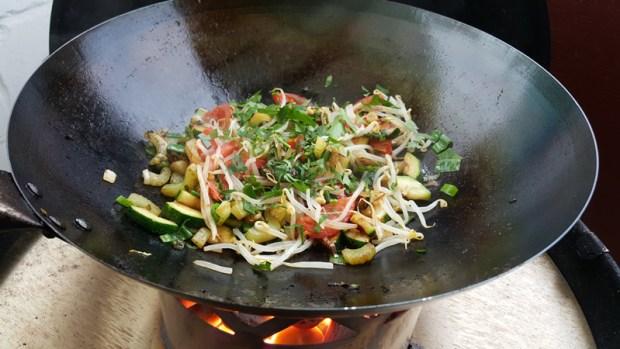 Buntes Wok-Gemüse. Sekundenschnell zubereitet