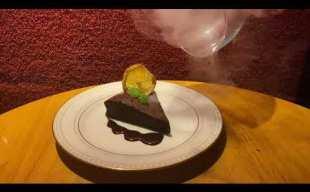 メープルチップを使用した瞬間燻製ガトーショコラ