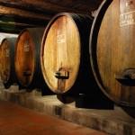 יישון יין בחביות