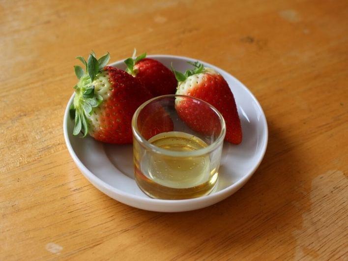 قناع زيت الزيتون بالفراولة