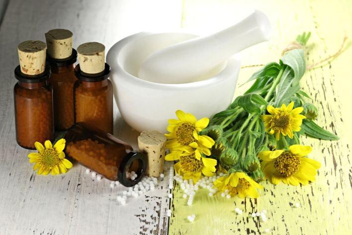 زهرة العطاس: الفوائد والاستخدامات وموانع الاستعمال.