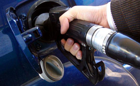 Precios combustibles bajan de forma considerable
