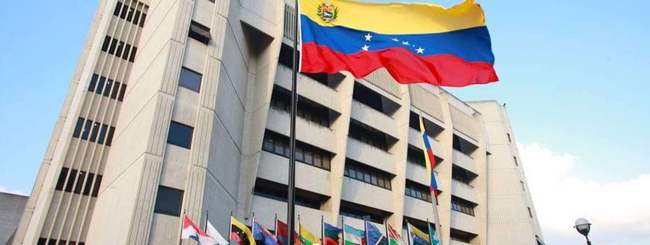 Justicia Venezuela pone reversa tras decisiones