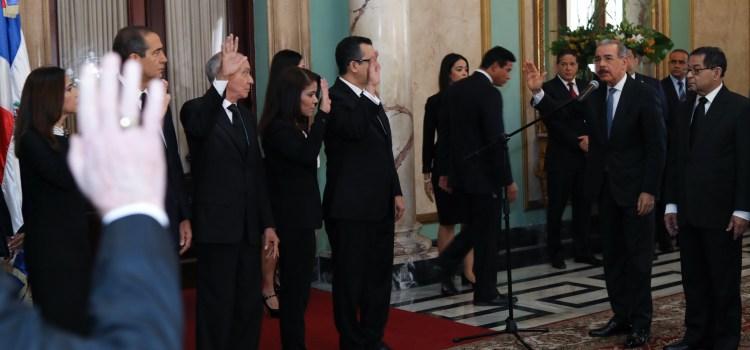 Medina juramenta jueces de las Altas Cortes