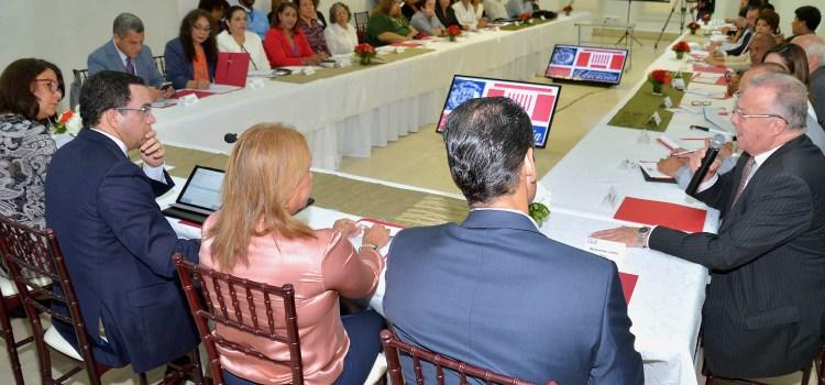 Navarro se reúne con la sociedad civil