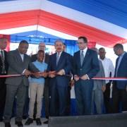 Danilo inaugura escuela municipio Galván