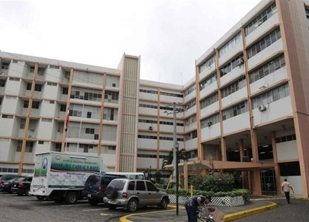 Dicen envenenaron mujer en hospital Cabral y Báez
