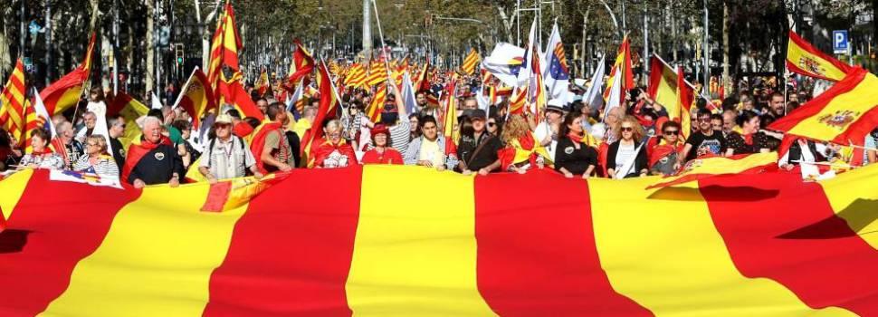 Miles marchan a favor España unida