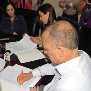 Firman convenio para capacitación empleados