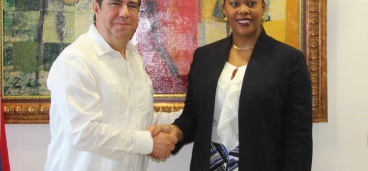 García recibe ministra Turismo Haití