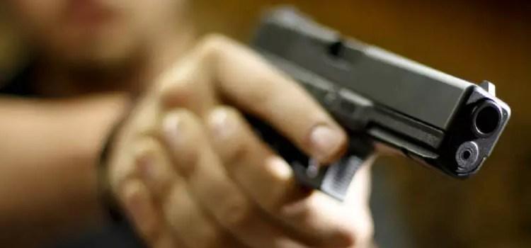 Hombre mata otro halló dentro de su casa