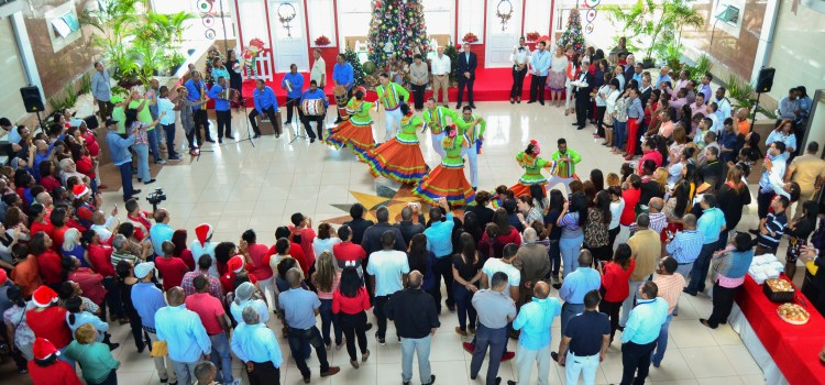 Ministerios dan la bienvenida a Navidad