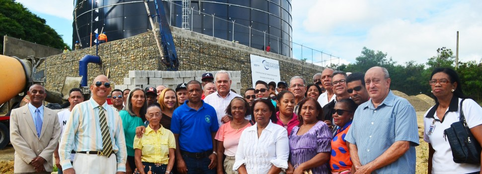 Visitan zona construcción tanque agua