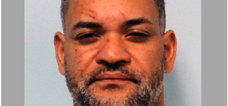Sentencian dominicano por arma ilegal