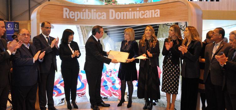 Reconocen aportes de Piñero a turismo