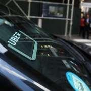 Nuevas reglas para Uber y taxis de alquiler