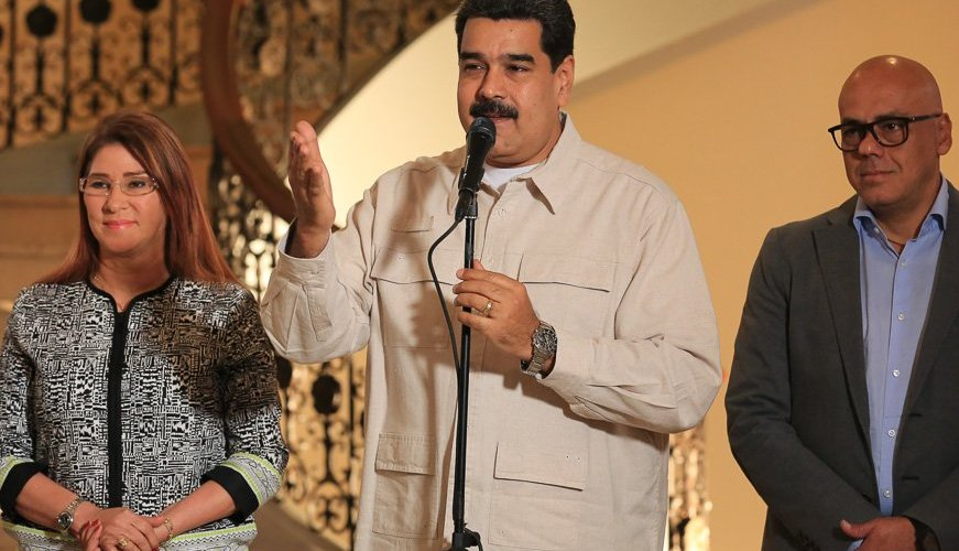 Maduro propone comicios el mismo día