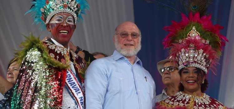 Miles disfrutan del carnaval nacional