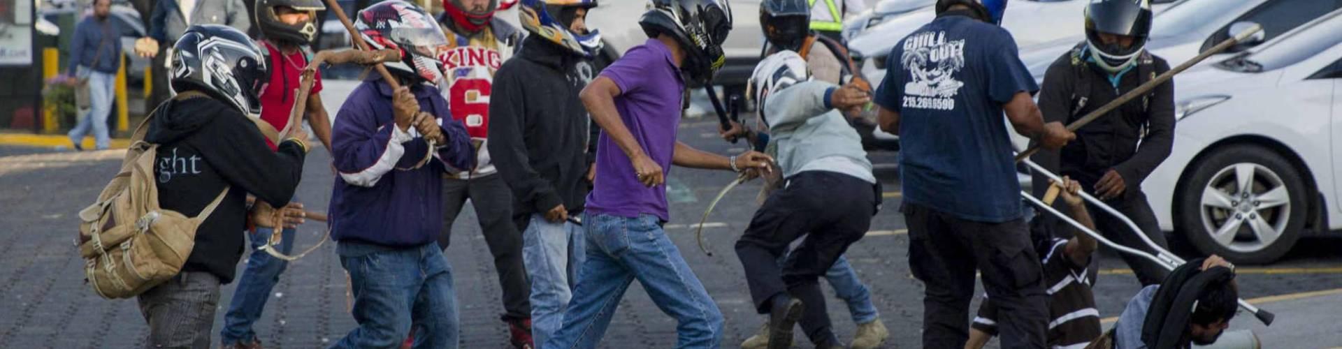 Agreden periodistas cubrían protesta