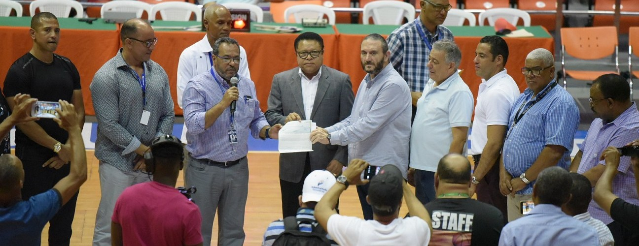 Gobierno aporta a torneo baloncesto