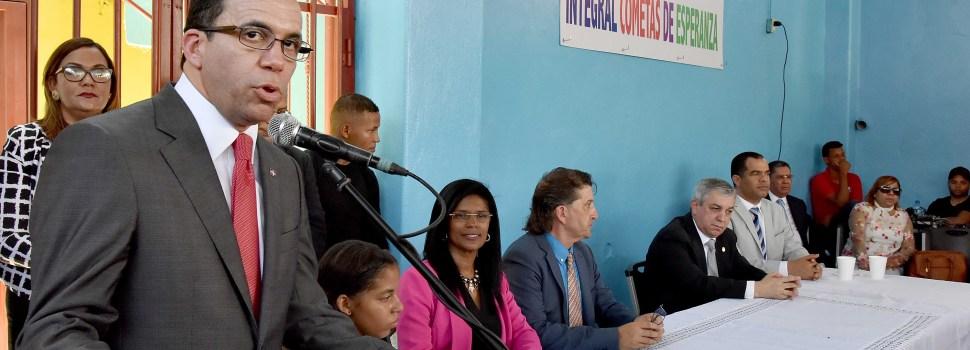 Buscan mejorar la educación en barrios