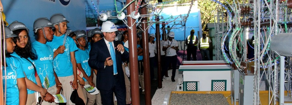 Edenorte lleva estudiantes a Feria del Libro