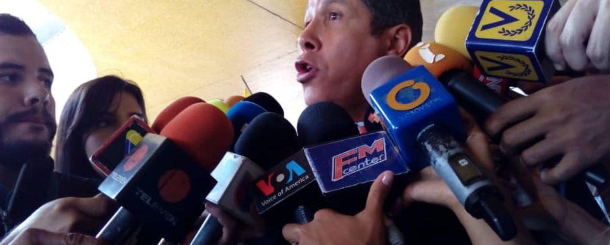 Acusa a Madura incumplir acuerdo electoral